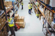 Структура аппарата и функции работников склада